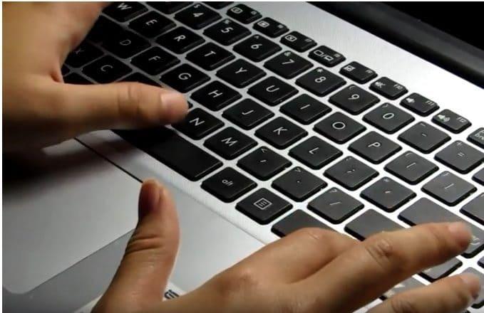 JDOT! — Jangan Mau Diperbudak oleh Teknologi! (Erika)