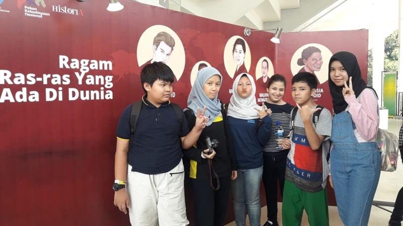Kunjungan Murid Homeschooling biMBA ke Pekan Kebudayaan Nasional di Istora Senayan